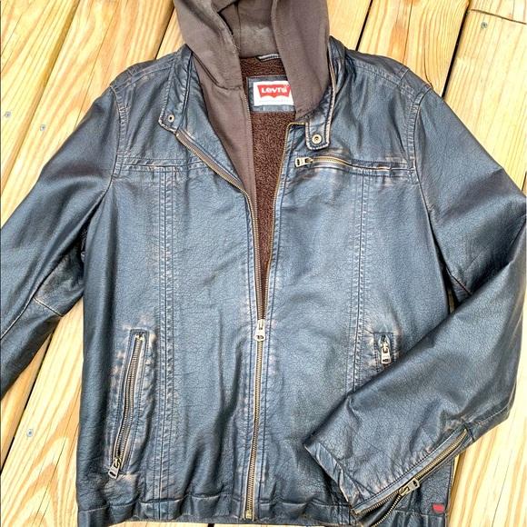 Levi's Men's Distressed Leather Jacket (M)